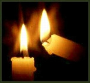 Risultati immagini per candele accese in chiesa